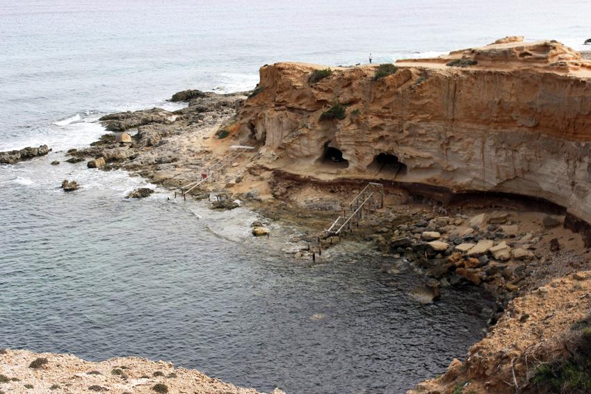 Las cuevas de Cala en Baster sorprenden a los visitantes