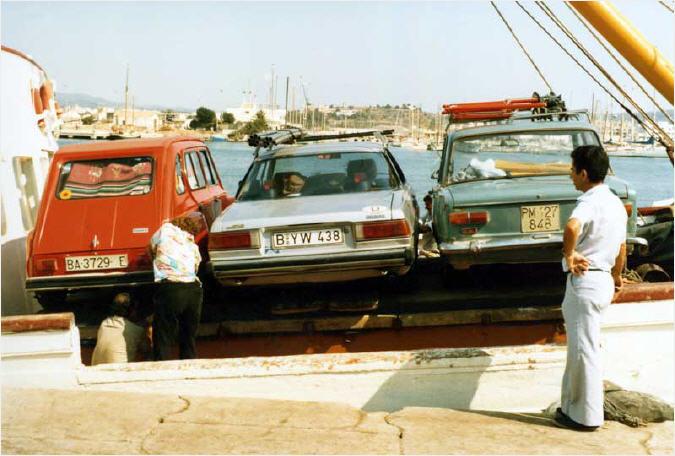 El transporte de coches a Formentera de antaño es totalmente diferente a la actualidad