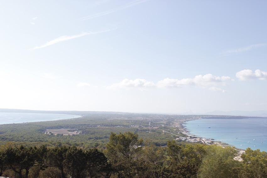 Vistas del istmo de Formentera desde El Mirador