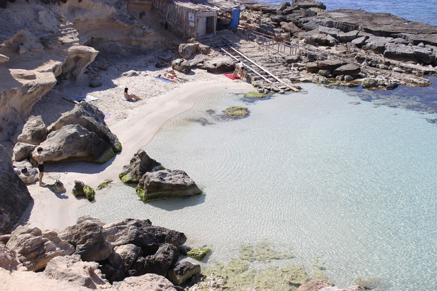 playa-calo-des-mort-formentera