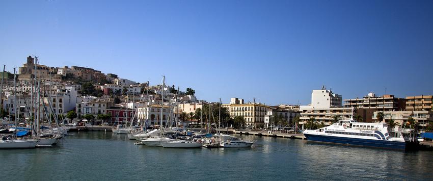 Panorámica del puerto de Ibiza