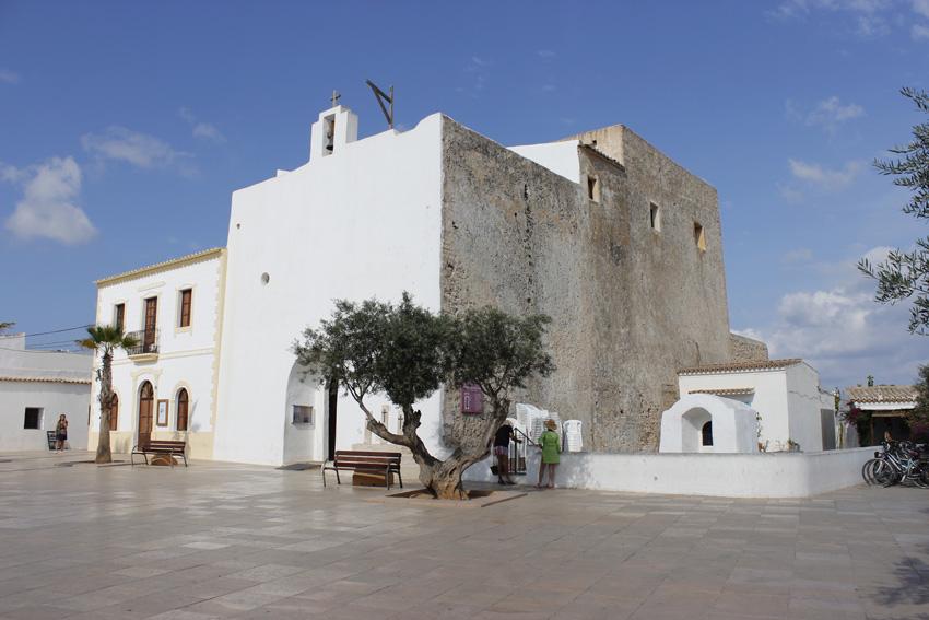 Iglesia de Sant Francesc, en el centro de la isla.